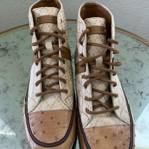 Gucci Shoes - Gucci Diamante Sneakers Size 9